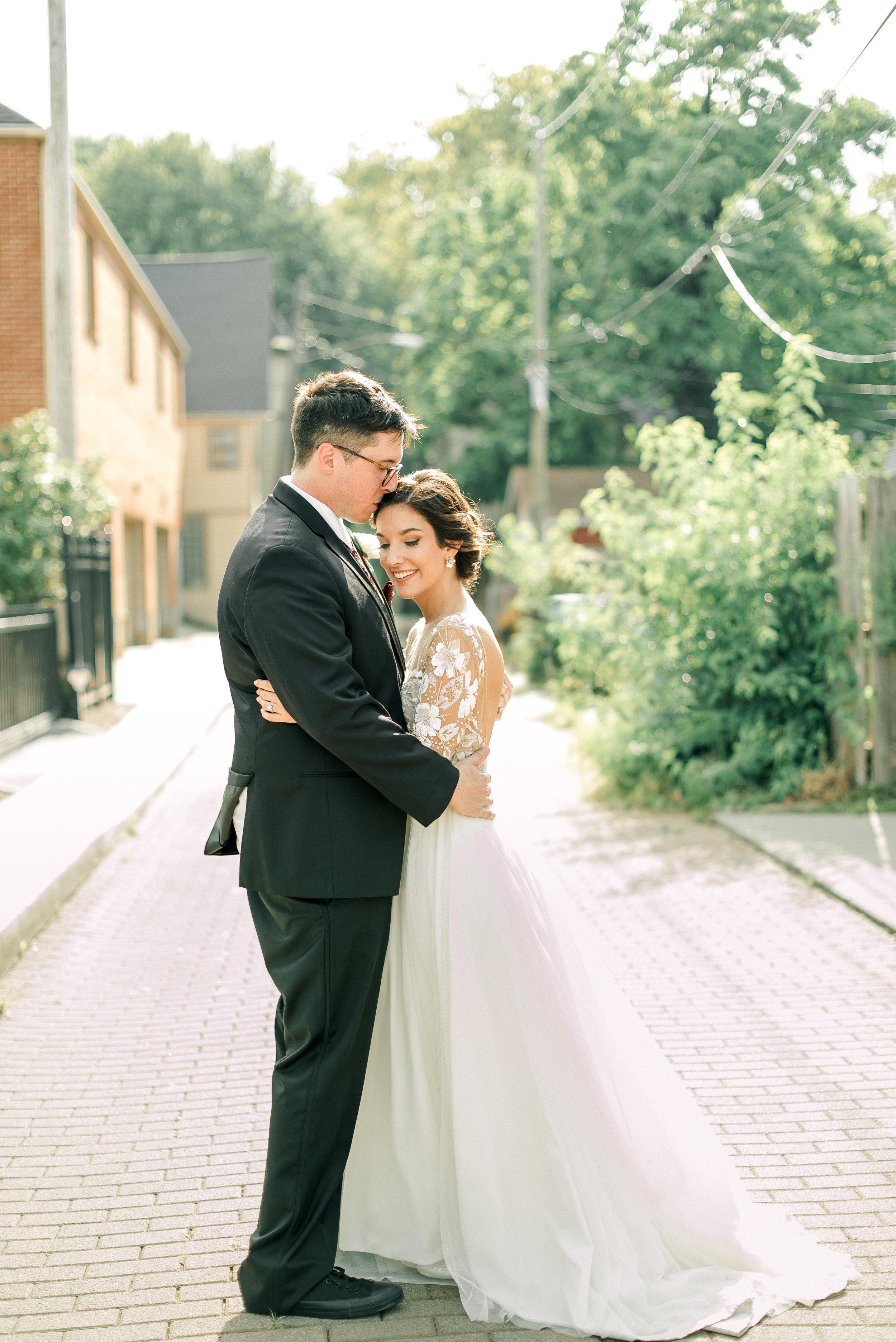 cleveland-wedding-photographer-great-lakes-brewing-arcade-0055.jpg
