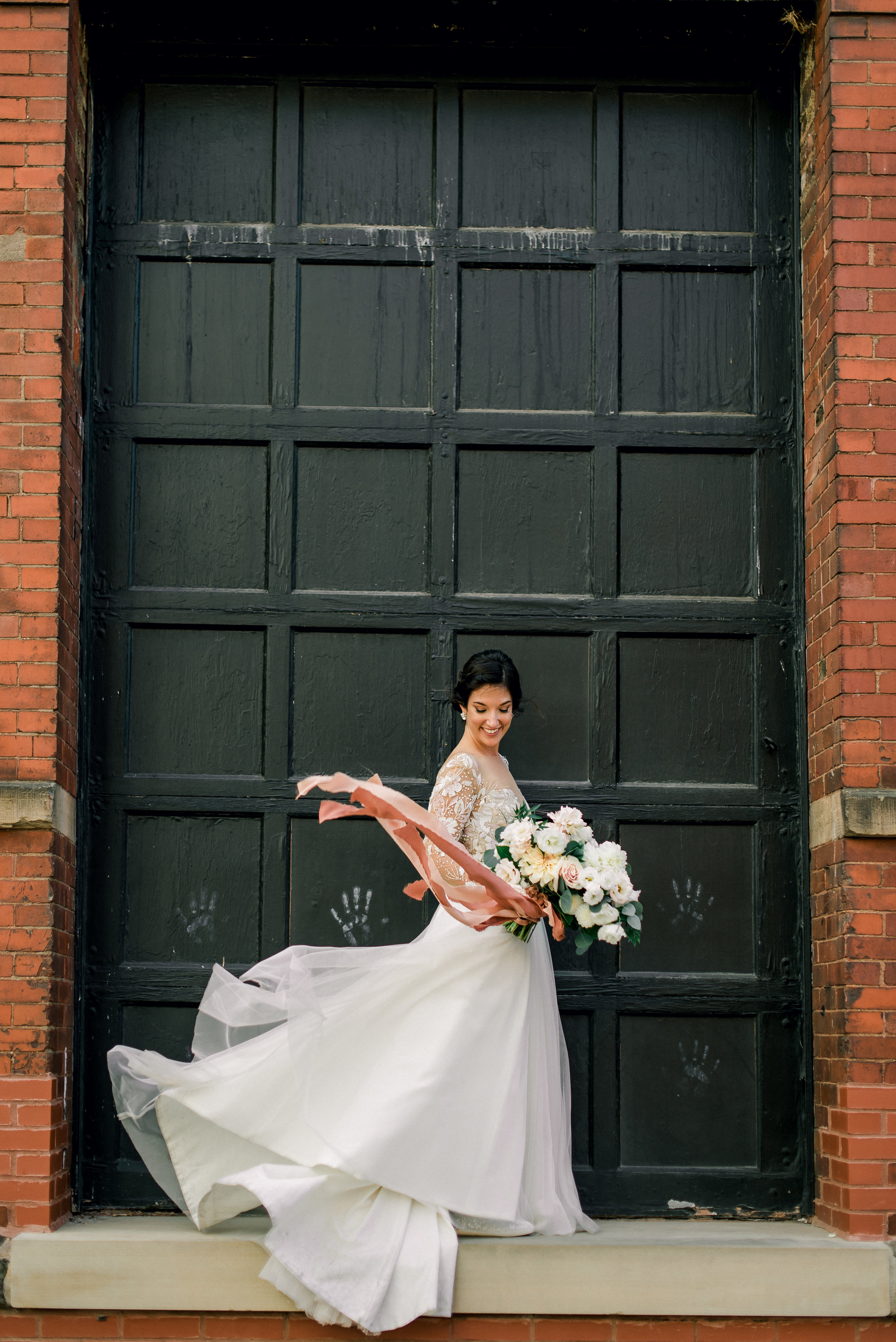 cleveland-wedding-photographer-great-lakes-brewing-arcade-0059.jpg