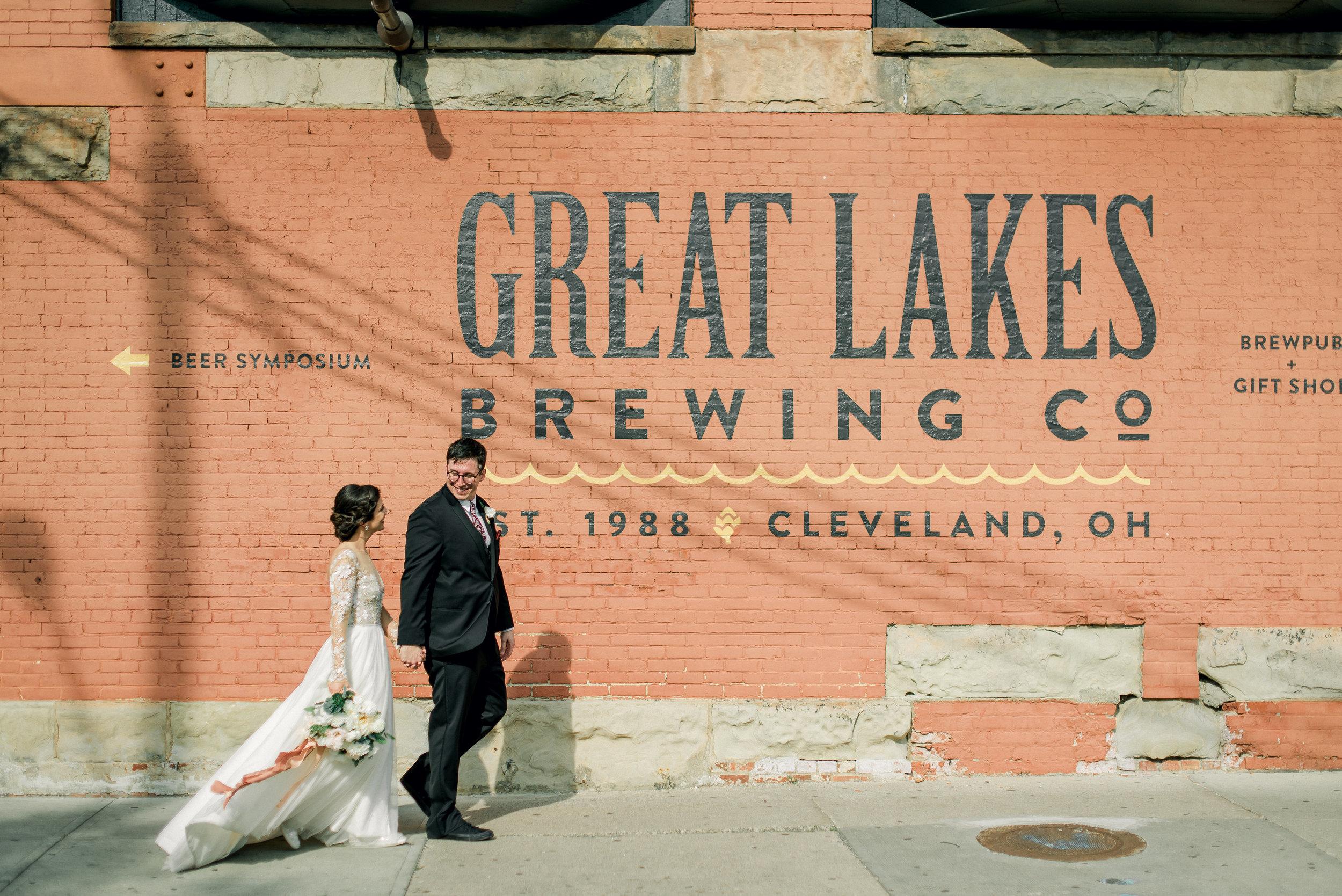cleveland-wedding-photographer-great-lakes-brewing-arcade-0060.jpg