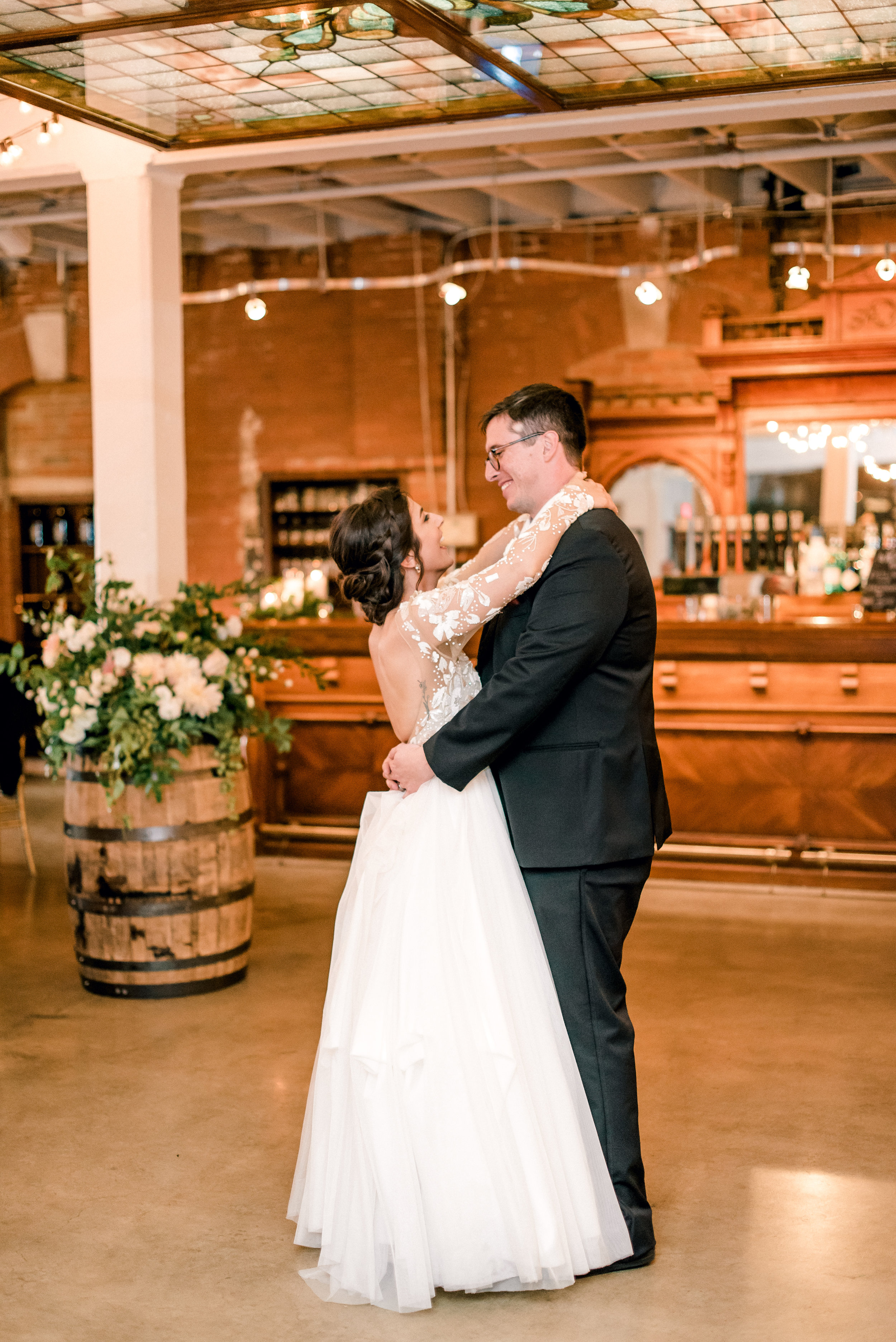 cleveland-wedding-photographer-great-lakes-brewing-arcade-0069.jpg