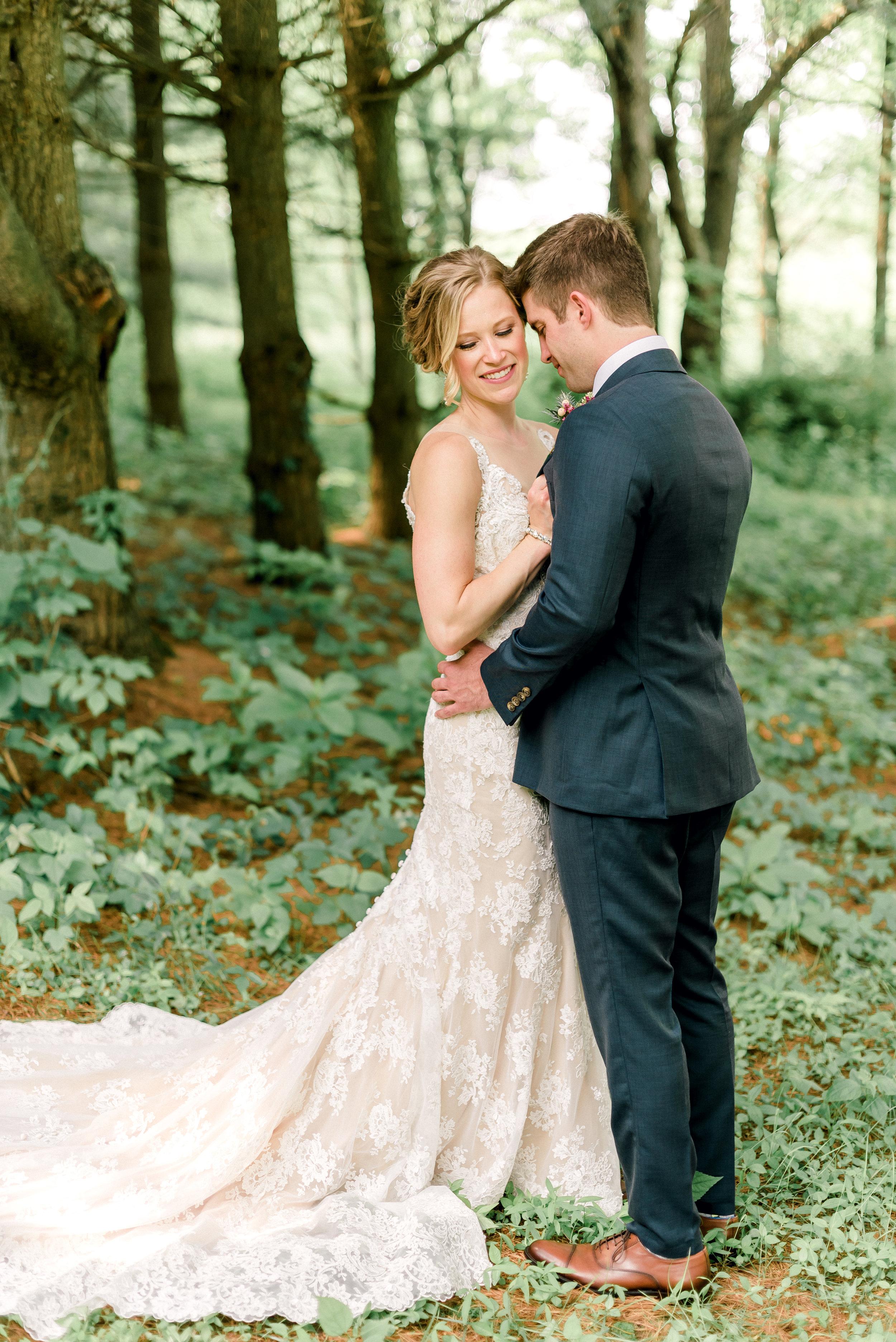pittsburgh-wedding-photographer-shady-elms-farm-0031.jpg