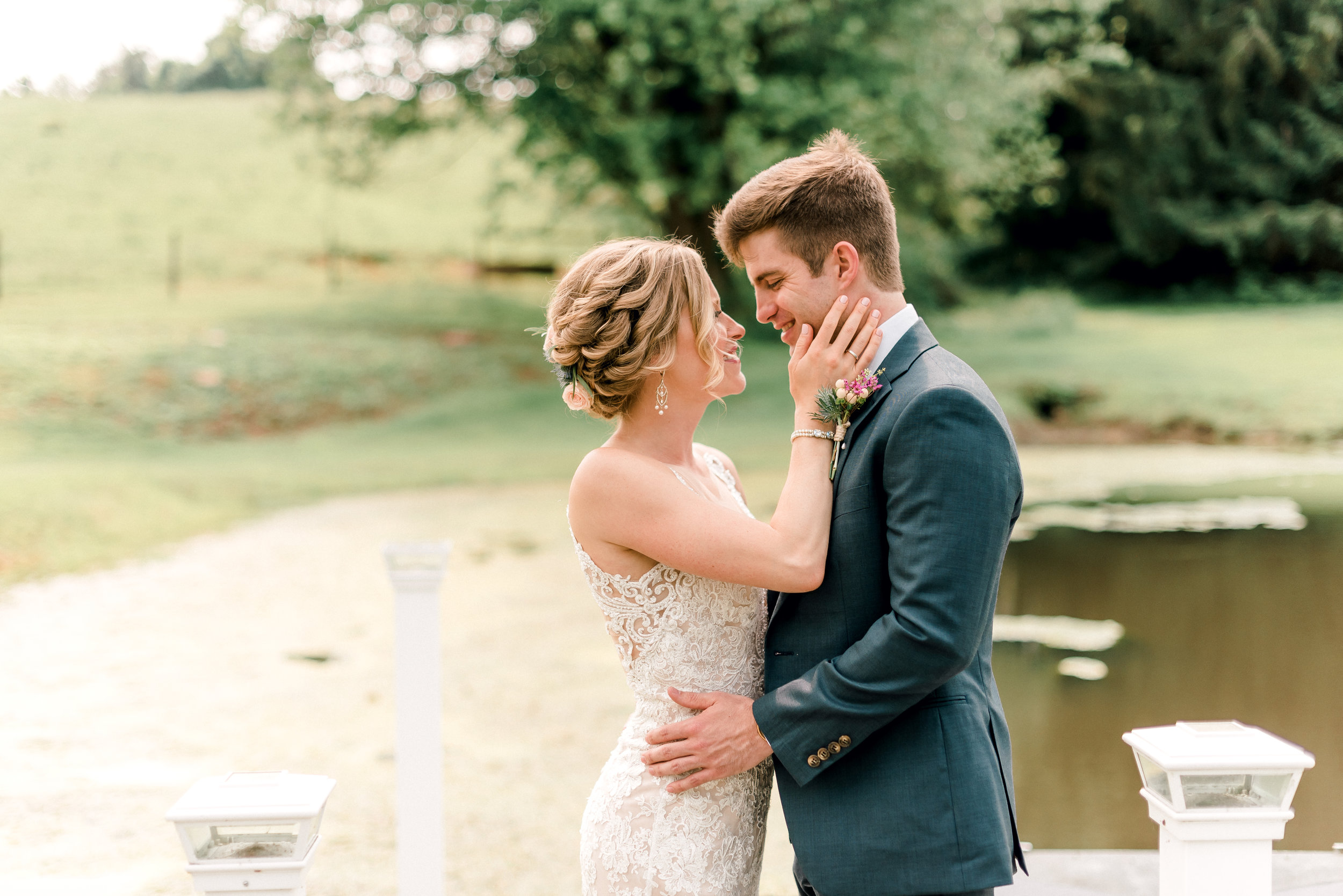 pittsburgh-wedding-photographer-shady-elms-farm-0034.jpg