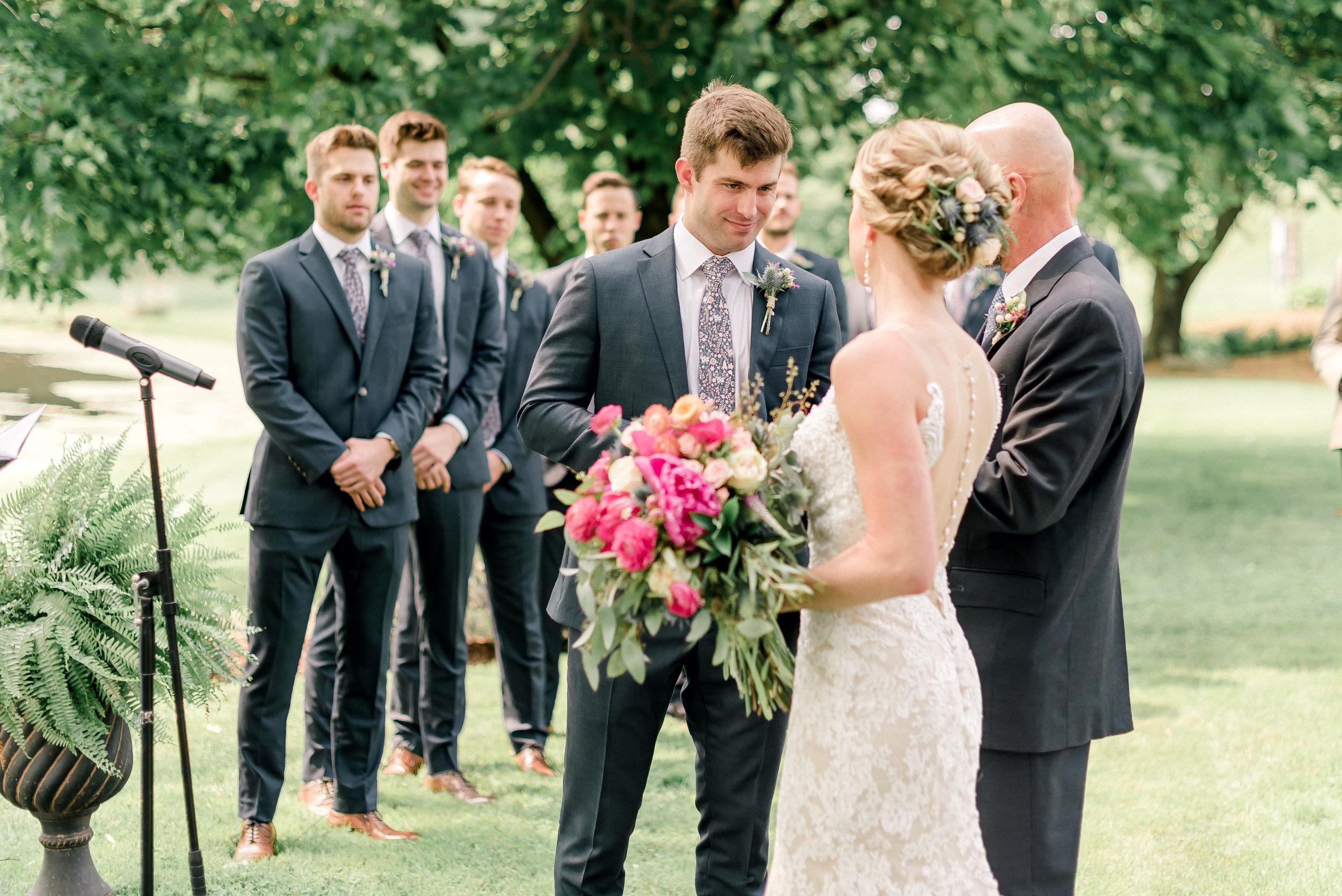 pittsburgh-wedding-photographer-shady-elms-farm-0038.jpg