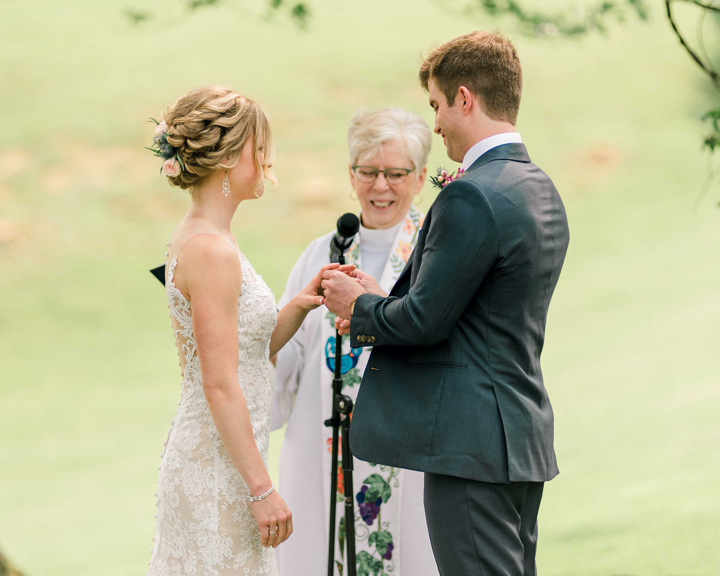 pittsburgh-wedding-photographer-shady-elms-farm-0042.jpg