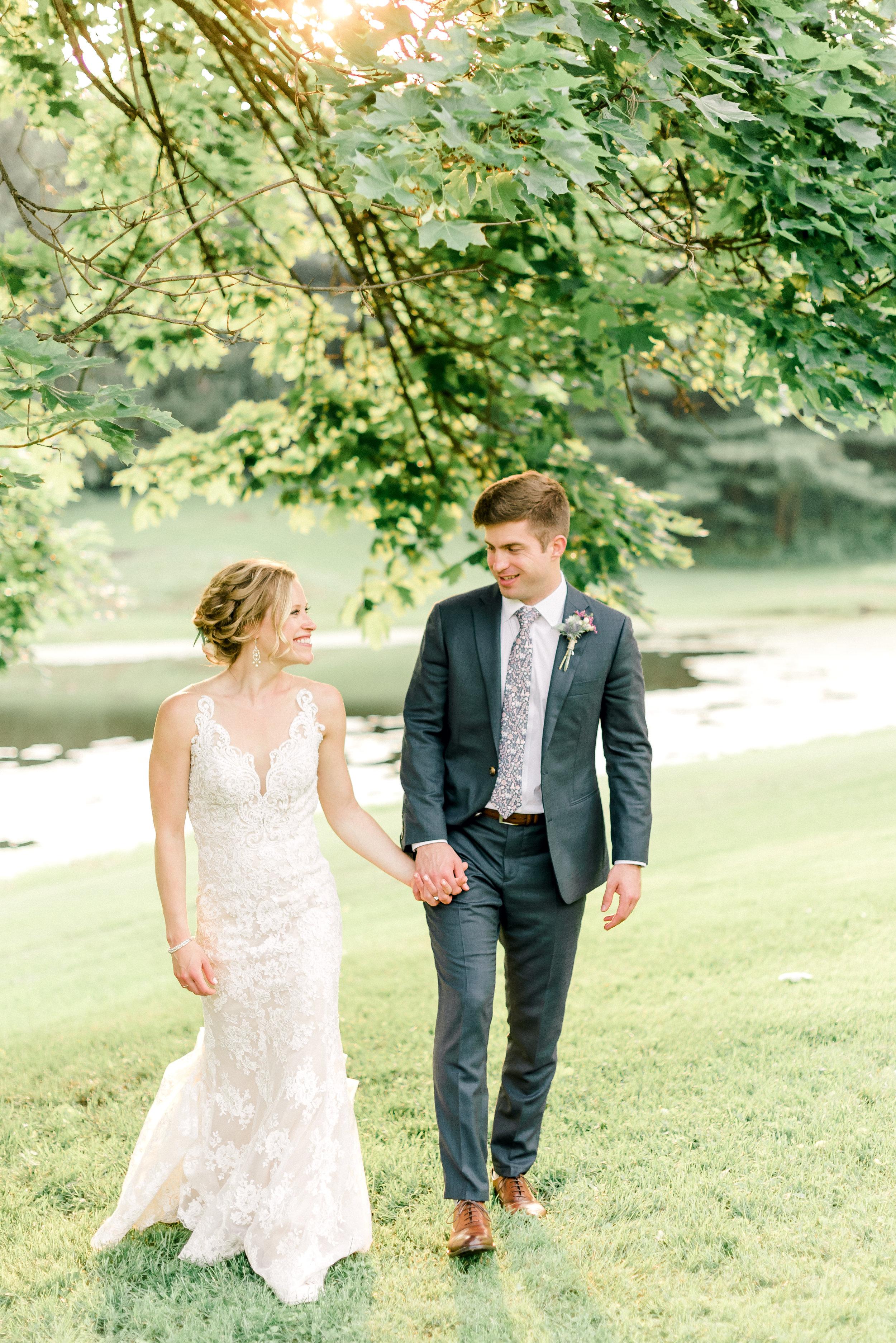 pittsburgh-wedding-photographer-shady-elms-farm-0054.jpg