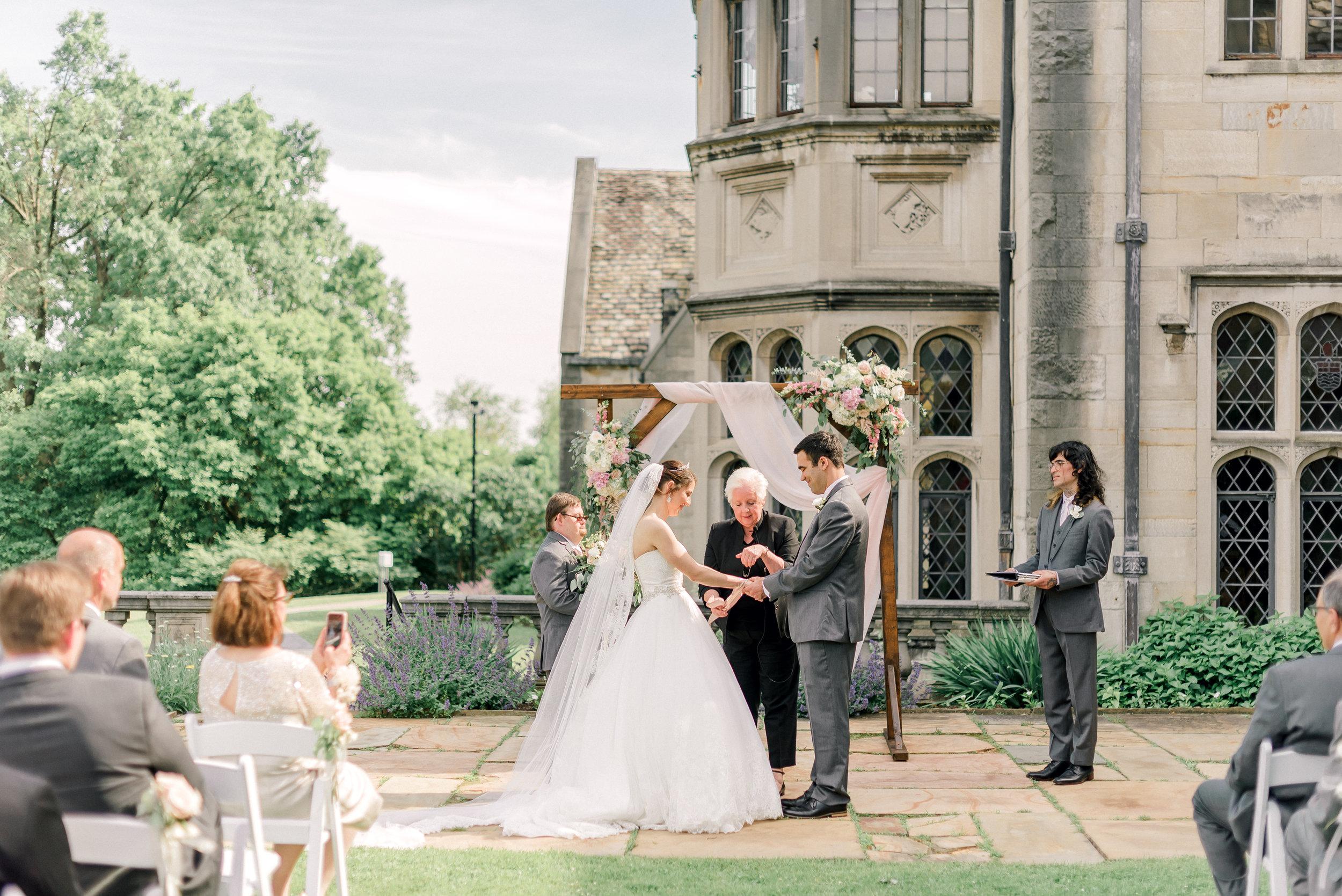 pittsburgh-wedding-photographer-hartwood-acres-0028.jpg