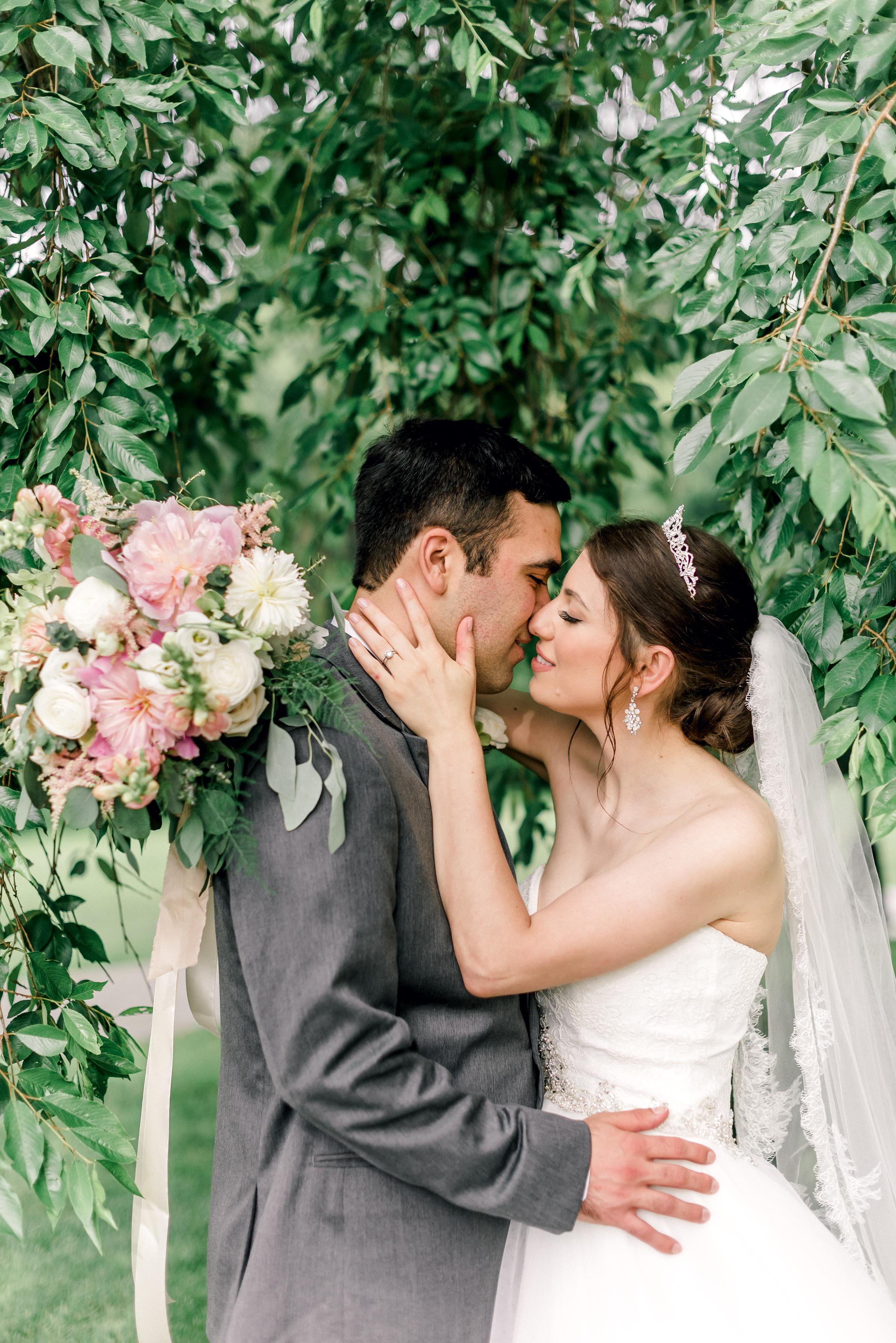 pittsburgh-wedding-photographer-hartwood-acres-0047.jpg