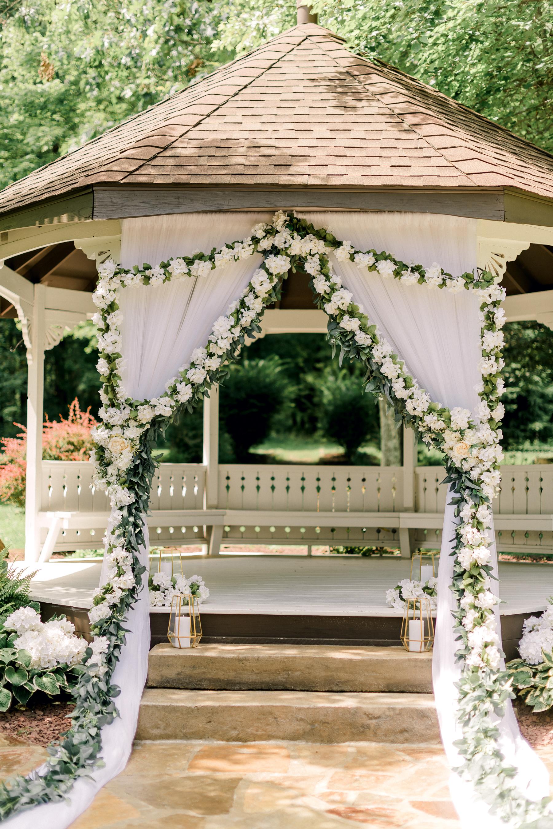 pittsburgh-wedding-photographer-grand-estate-hidden-acres-0015.jpg