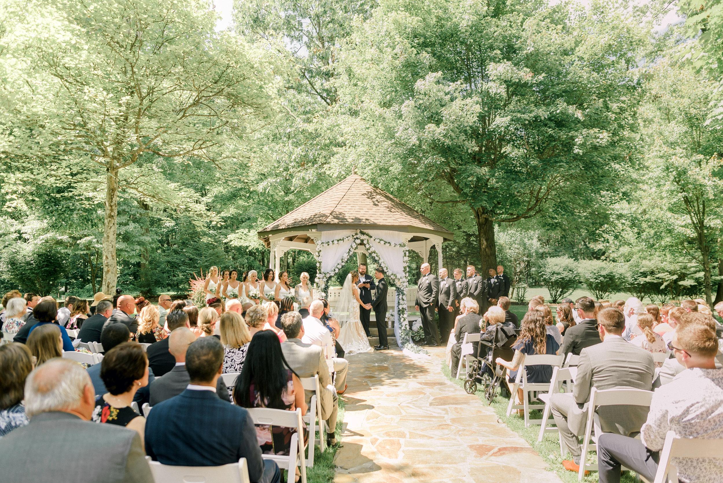 pittsburgh-wedding-photographer-grand-estate-hidden-acres-0019.jpg