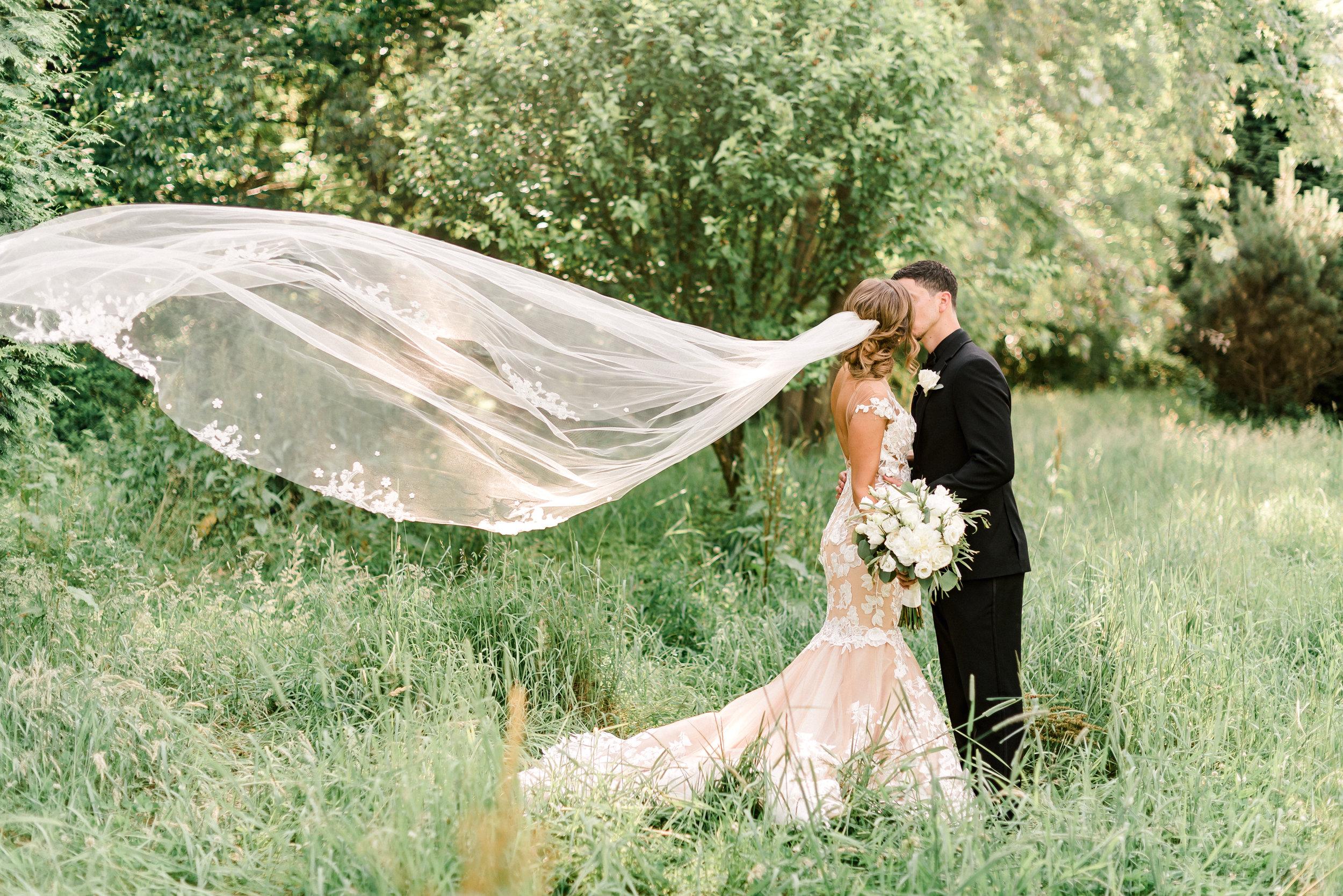 pittsburgh-wedding-photographer-grand-estate-hidden-acres-0035.jpg