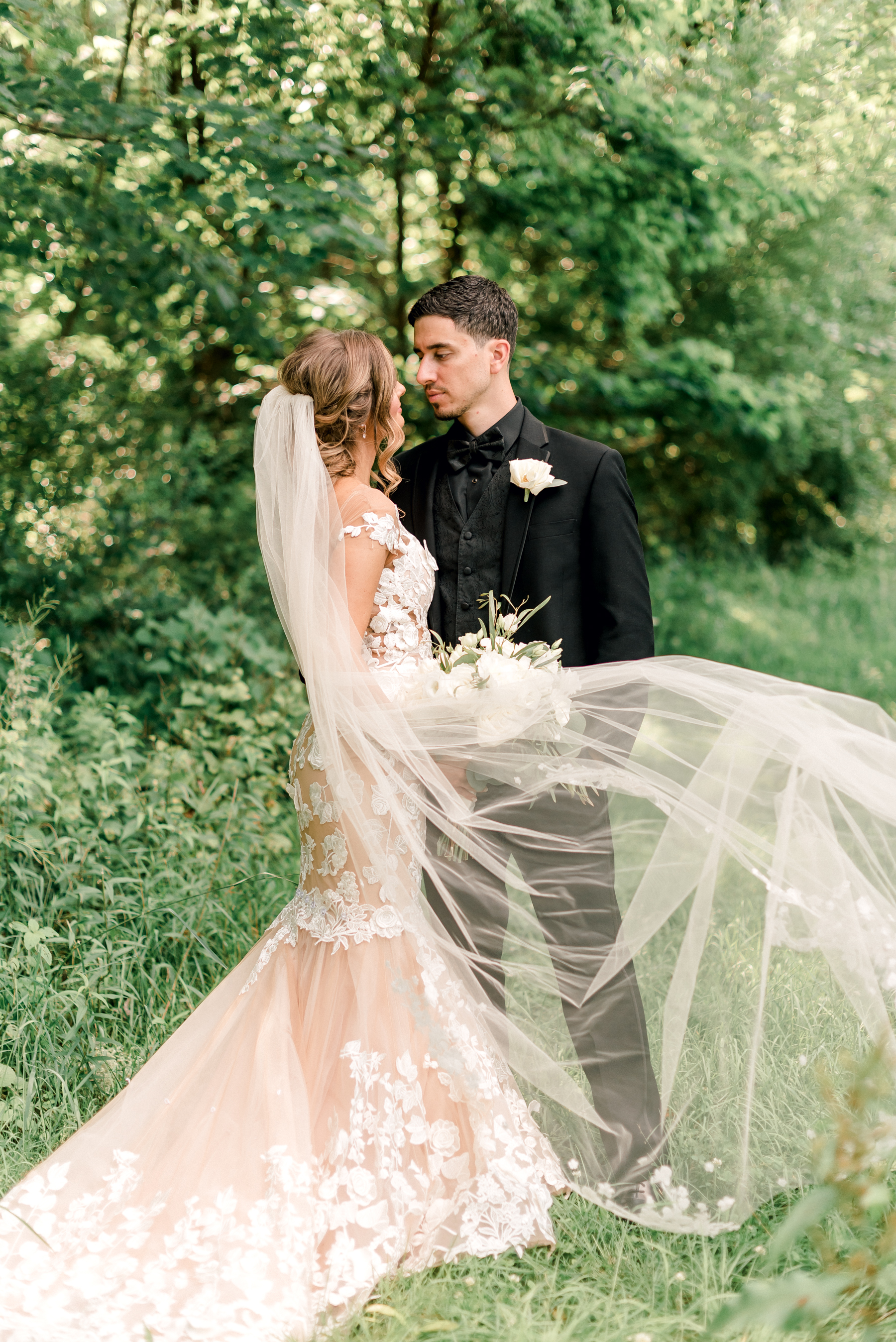 pittsburgh-wedding-photographer-grand-estate-hidden-acres-0040.jpg