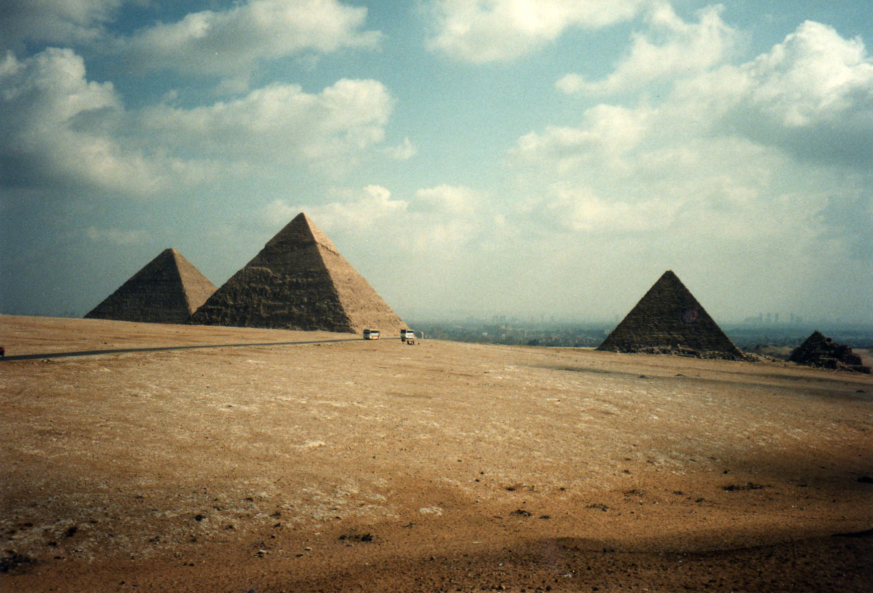 The Great Pyramids of Giza - left to right, the great pyramid of Khufu, 481 feet;the Pyramid of Khafre 448 feet; the pyramid of Menkaure 215 feet; the pyramids of Queens. Image ©  David Holt  used with permission of Creative Commons license.