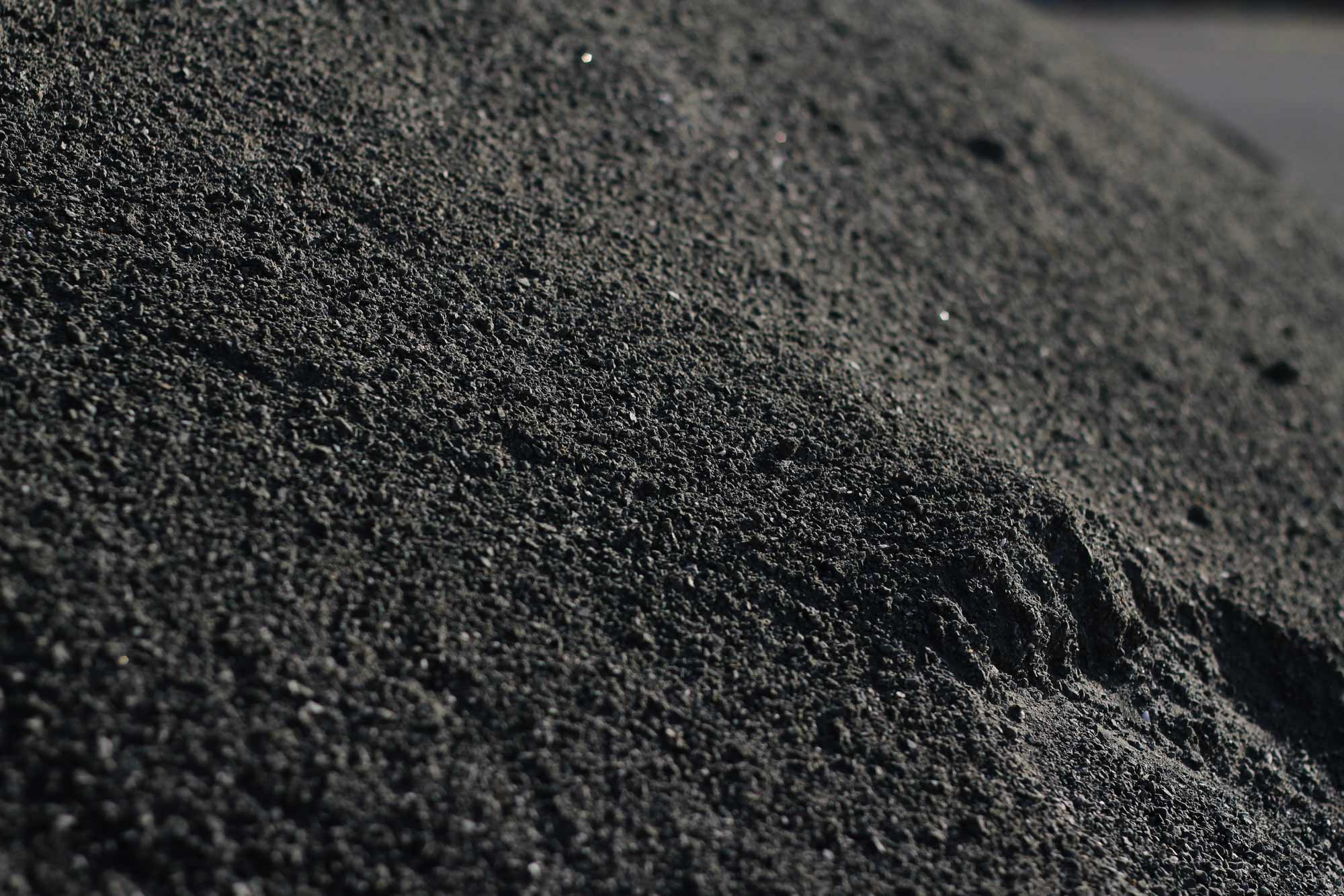 This native, dark basaltic aggregate comprises the bulk of our rice husk ash masonry mix design.