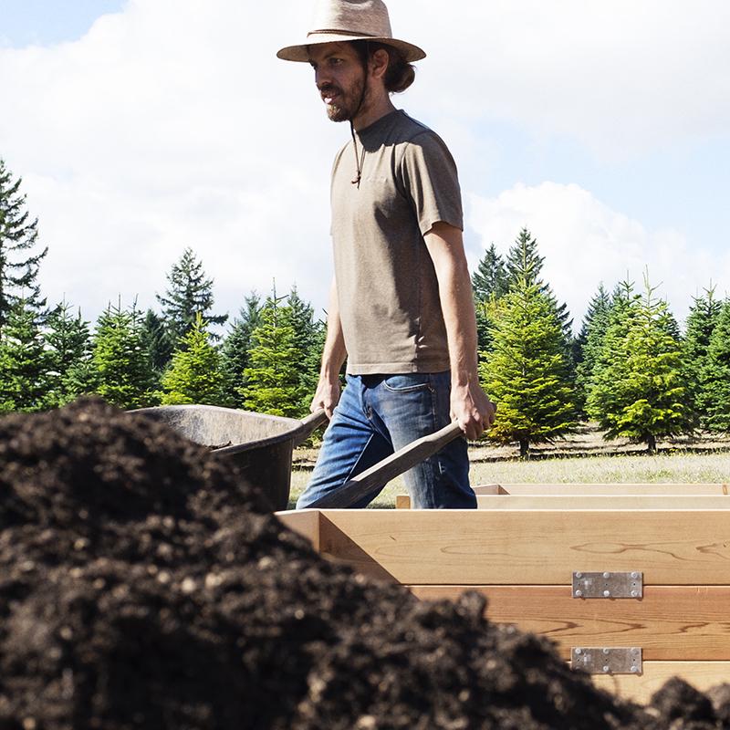 Matthew Grafton, Garden Installation Coordinator