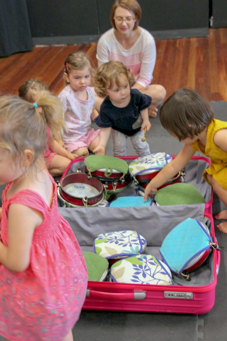 FCAC Toddler Music  - Mamma Knows West (2 of 7).jpg