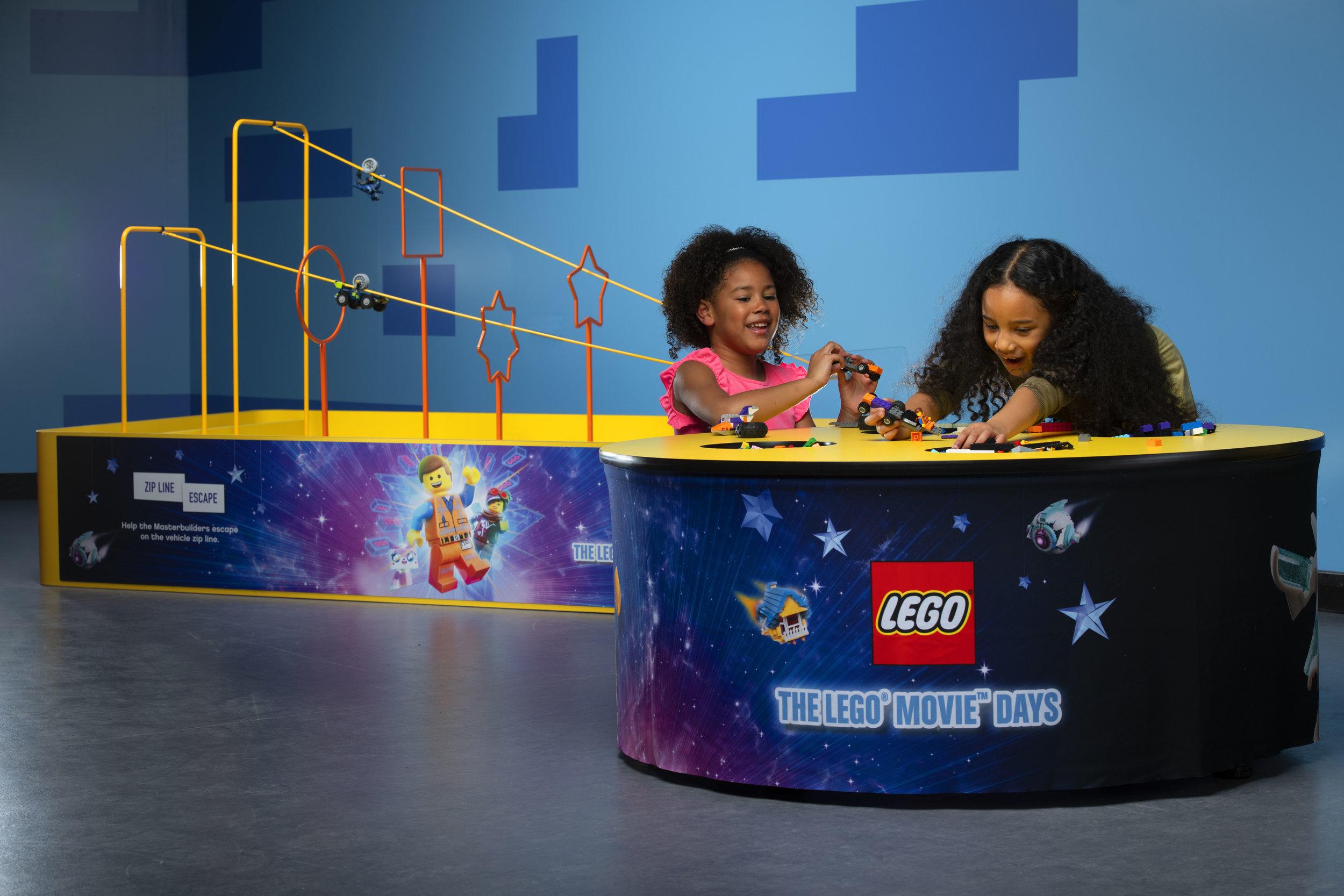 Lego-22-01-191478_LM2-Build-Table.jpg