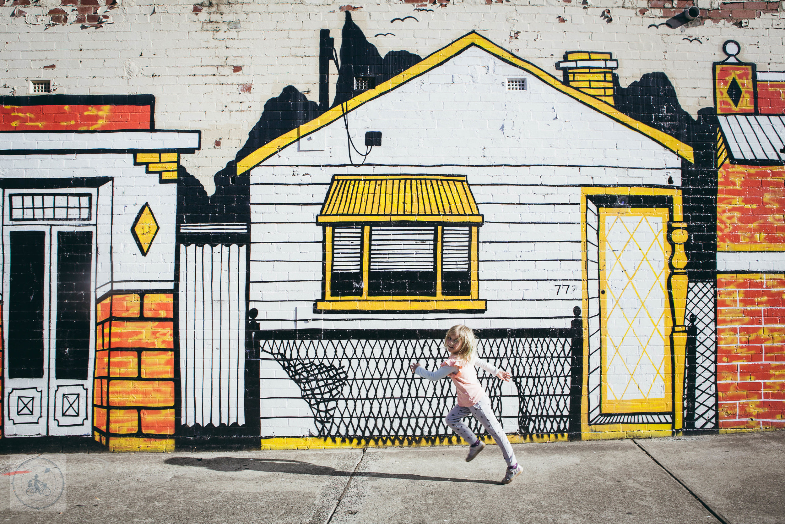 Footscray Wall Mamma Knows West (1 of 2).jpg