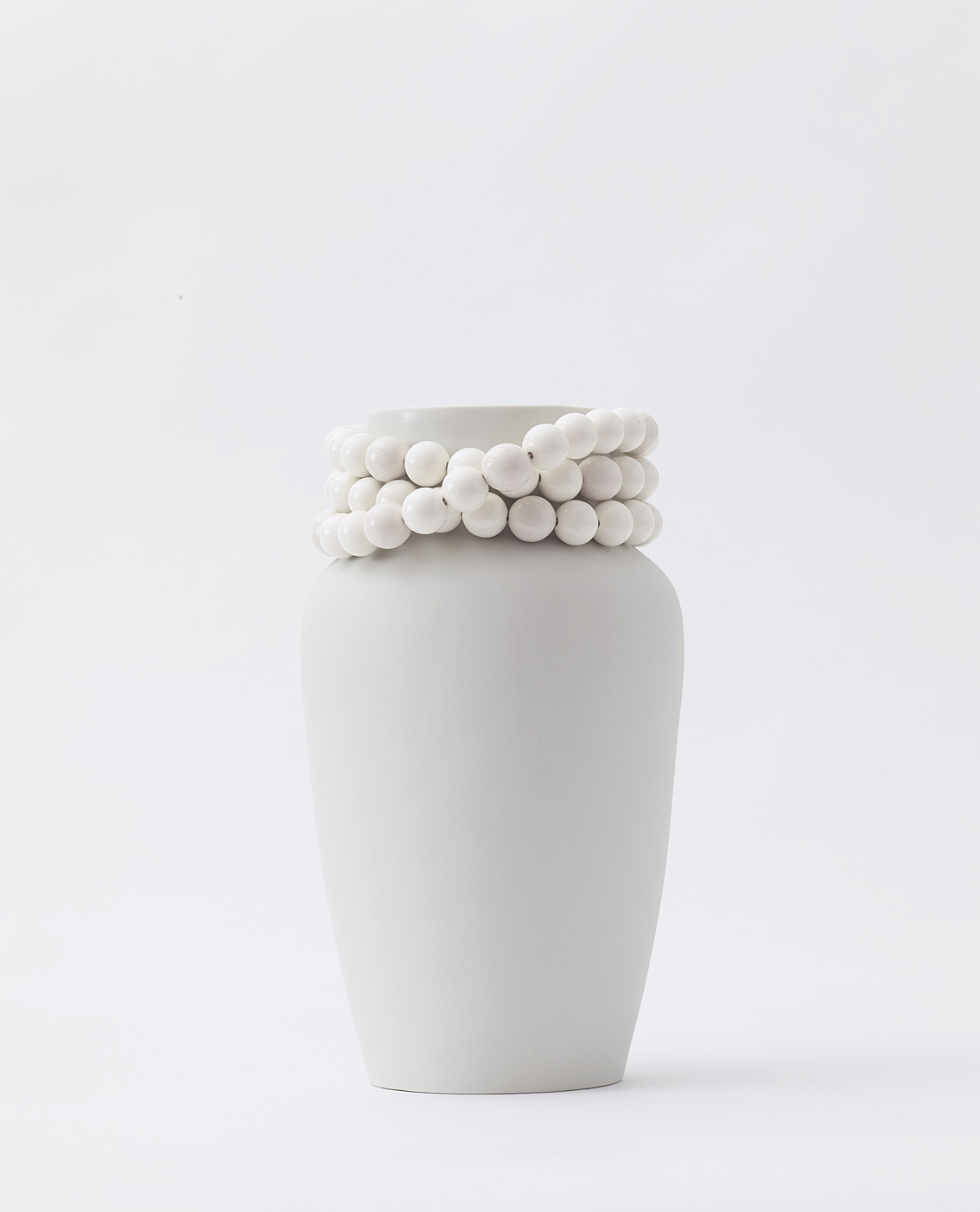 Vase Dame | unglazed, with glazed pearls + inside