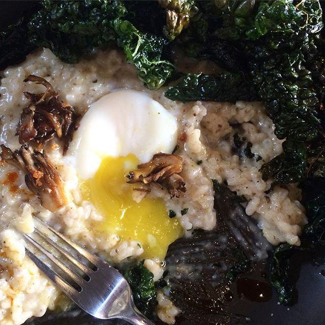 Bragðgóður endir á góðum degi í San Francisco #undirsúðíusa #sanfran #foodporn #egg #kale #risotto @reverbsf