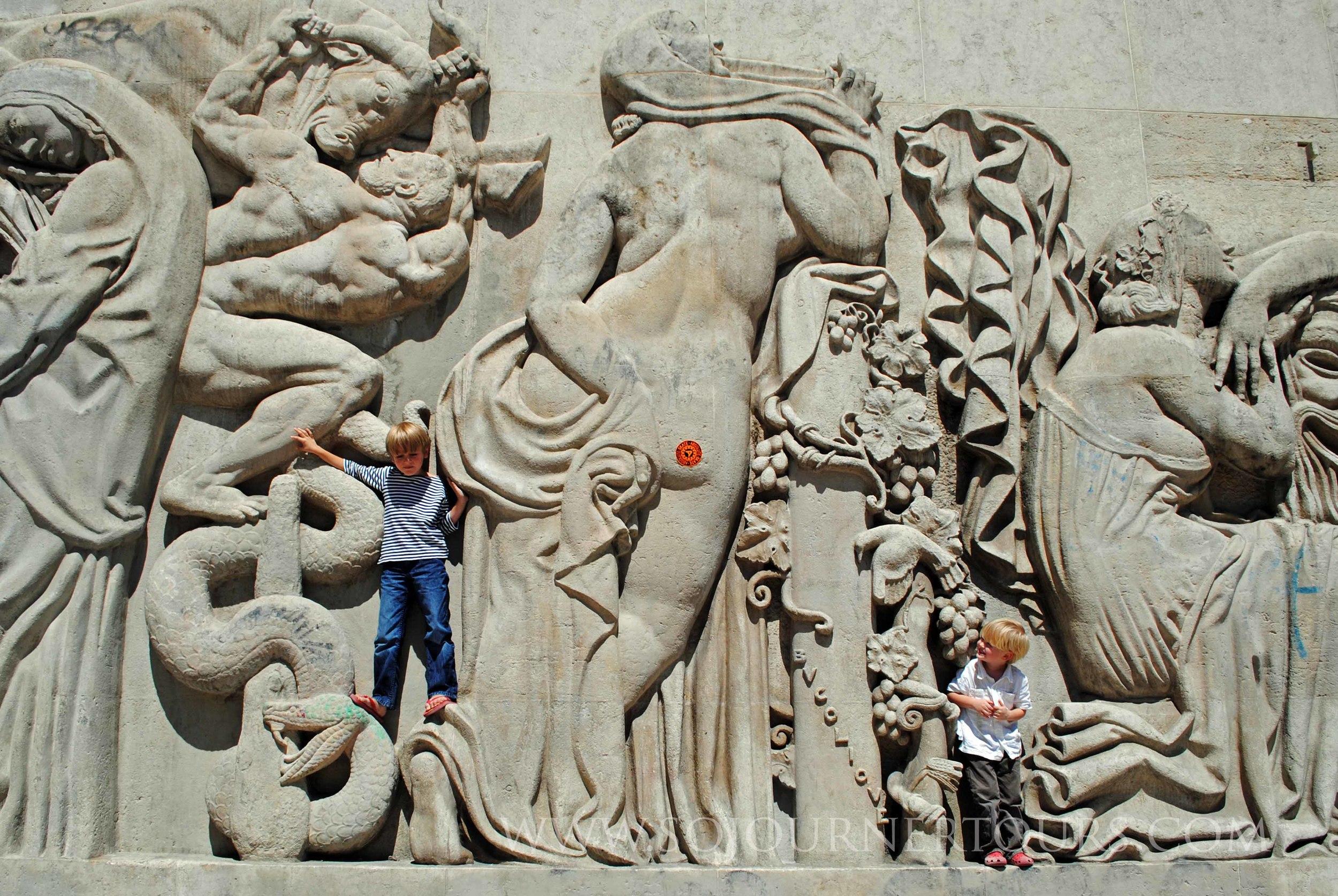 Museum of Modern Art: Paris, France (Sojourner Tours)