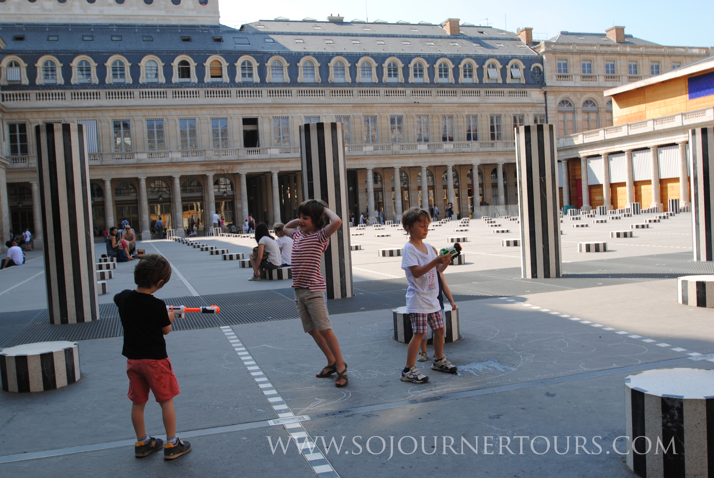 Family Paris Tour Palais Royale