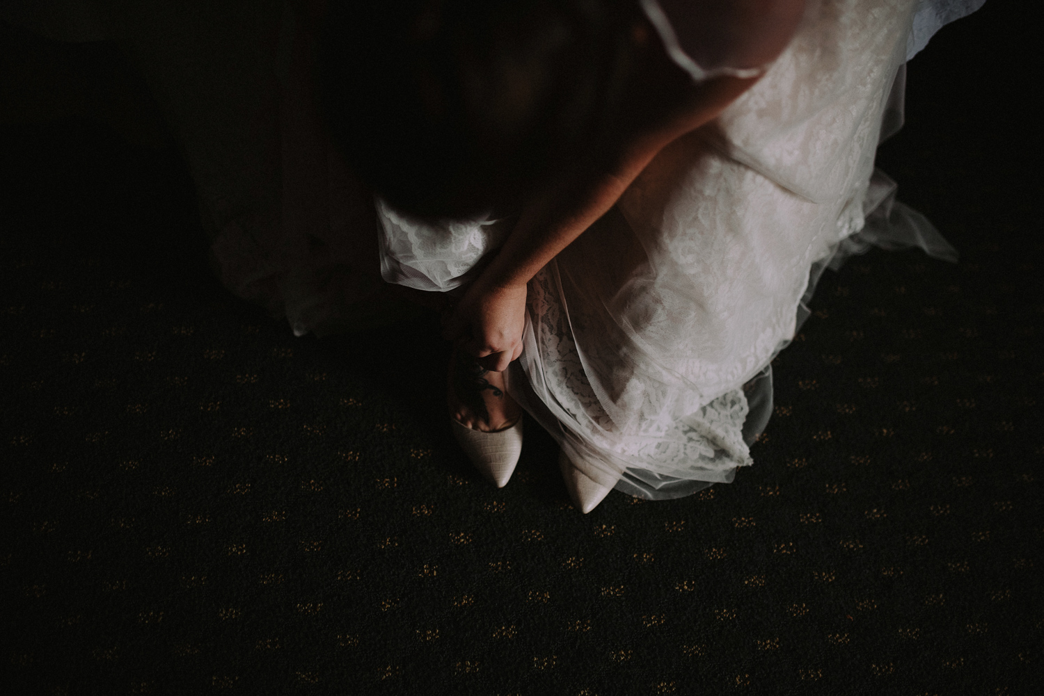 Bride Getting Ready | Columbus Wedding Photographers