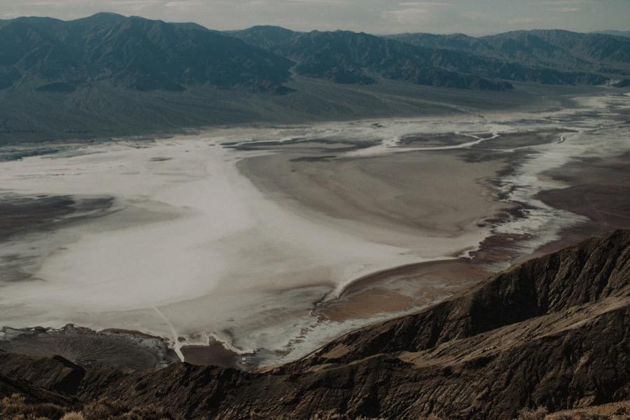 Death Valley Desert Elopement0010.jpg