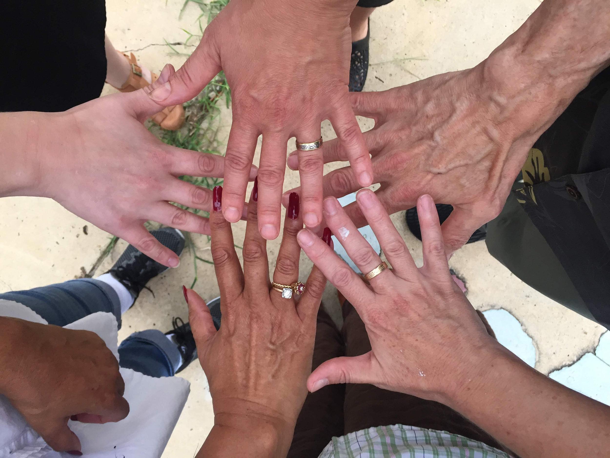 Tuscaloosa_2018_hands.jpg