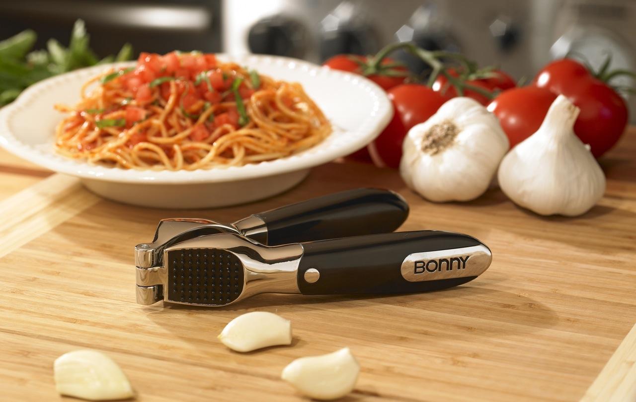 Bonny Brand Garlic Press