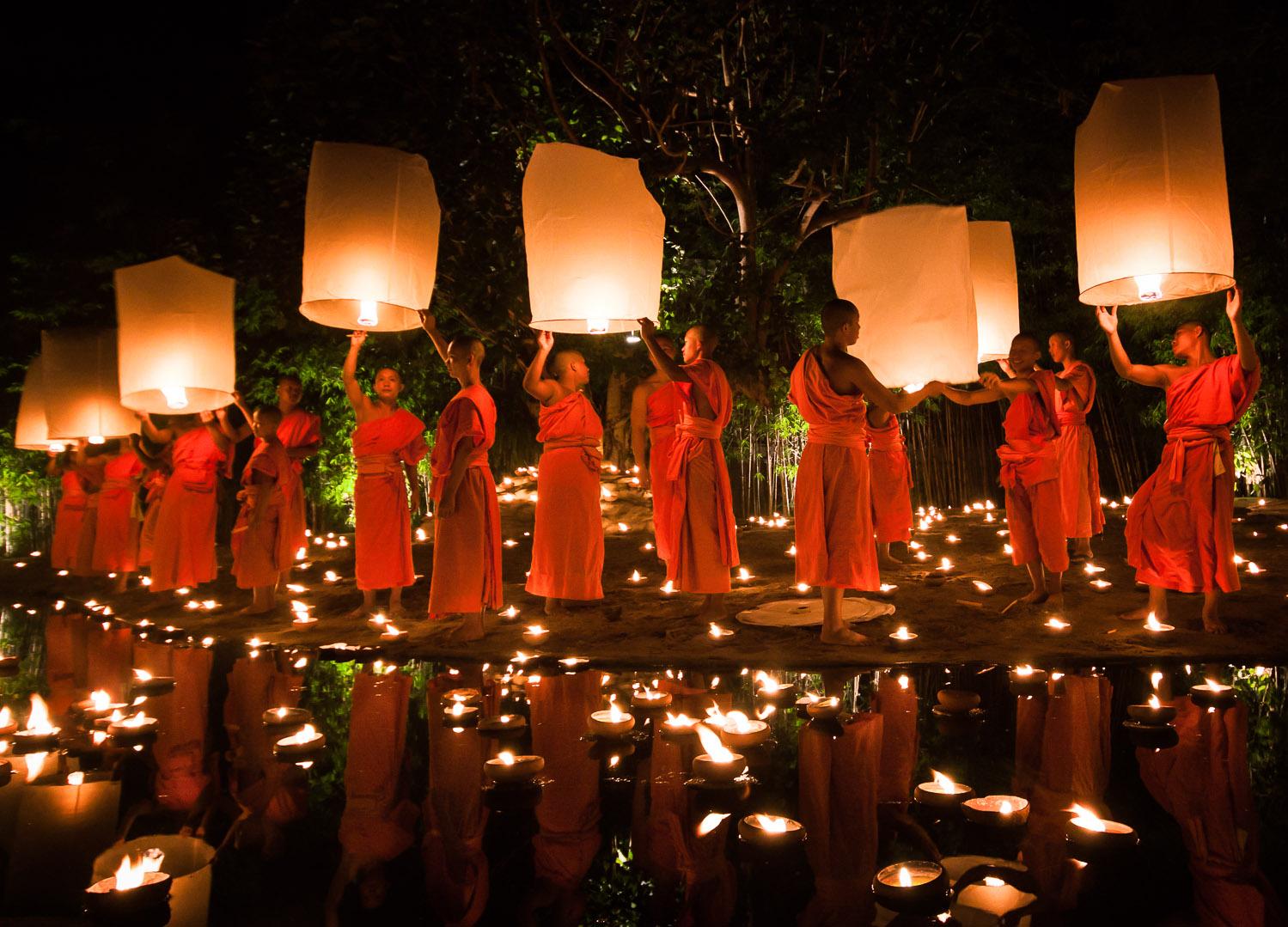 monks_lanterns.jpg