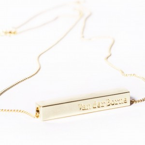 Simple golden bar necklace by  VanderBorne  €129