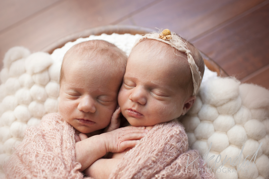 V KENDAL PHOTOGRAPHY-Los-Angeles-Newborn-Twins-Baby-Maternity-Santa Barbara 1427.JPG