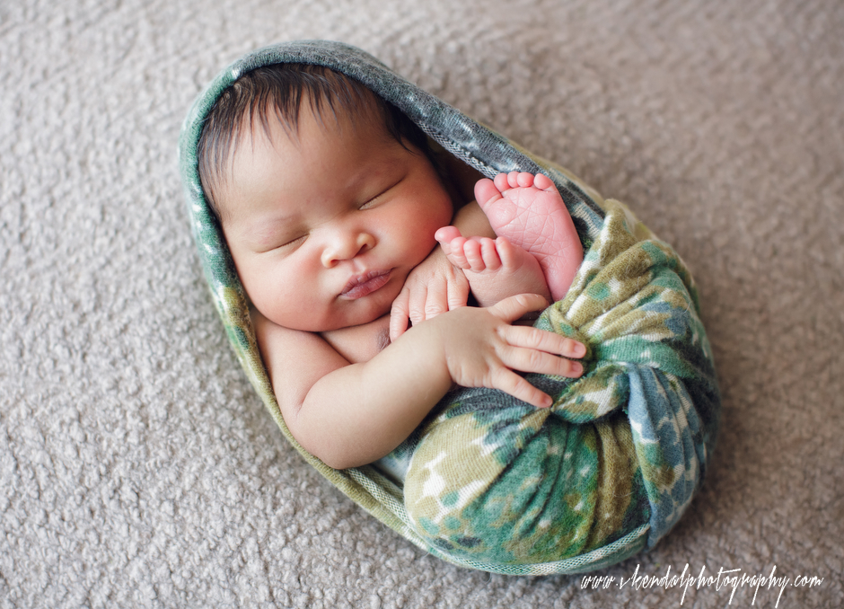 LOS-ANGELES-BABY-PHOTOS-MATERNITY-NEWBORN-PHOTOGRAPHY-VALERIE-KENDAL-V-KENDAL-PORTRAIT-STUDIO2778.JPG