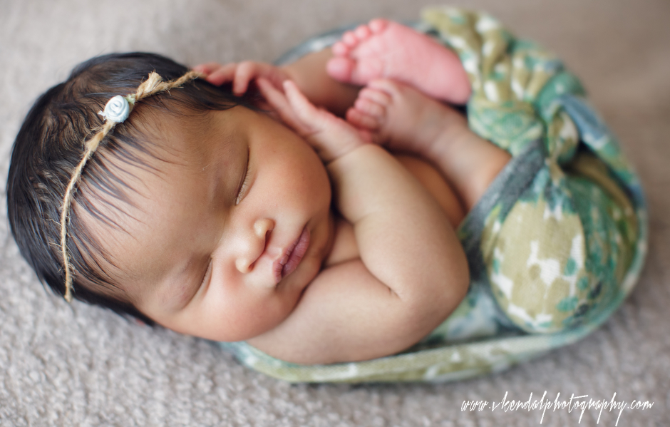 LOS-ANGELES-BABY-PHOTOS-MATERNITY-NEWBORN-PHOTOGRAPHY-VALERIE-KENDAL-V-KENDAL-PORTRAIT-STUDIO2780.JPG