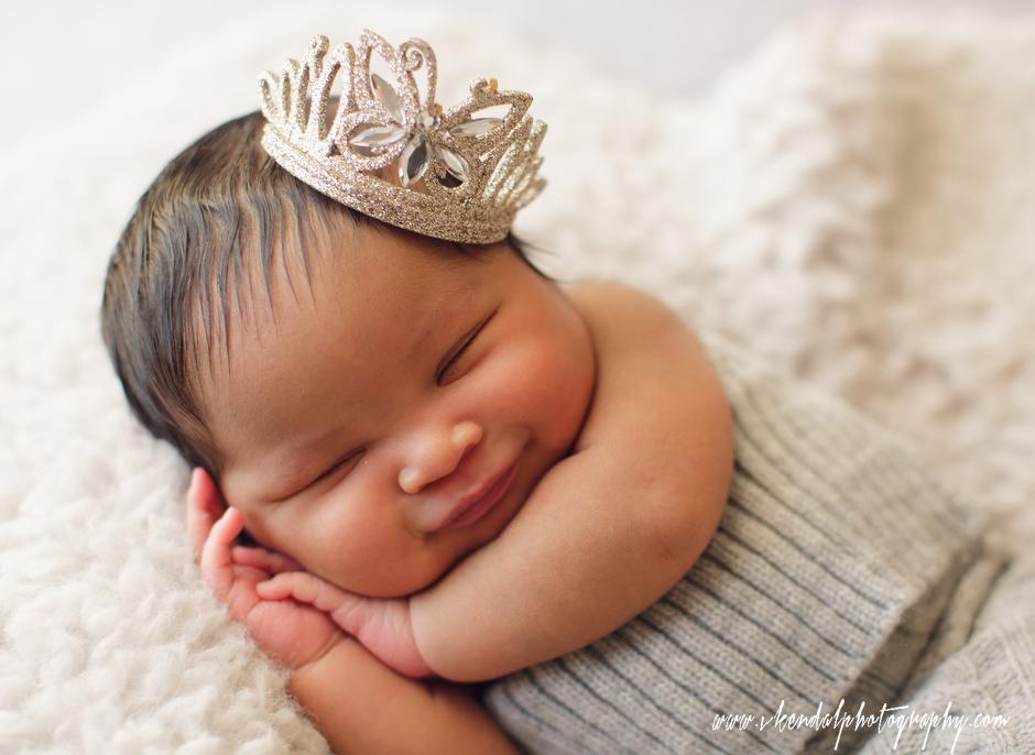 LOS-ANGELES-BABY-PHOTOS-MATERNITY-NEWBORN-PHOTOGRAPHY-VALERIE-KENDAL-V-KENDAL-PORTRAIT-STUDIO2788.JPG