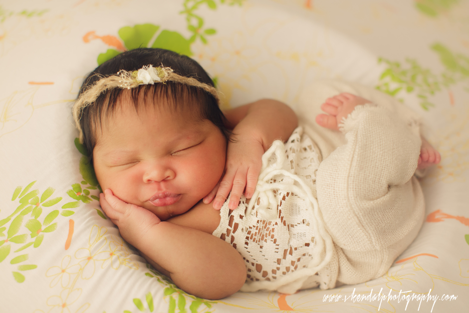 LOS-ANGELES-BABY-PHOTOS-MATERNITY-NEWBORN-PHOTOGRAPHY-VALERIE-KENDAL-V-KENDAL-PORTRAIT-STUDIO2797.JPG