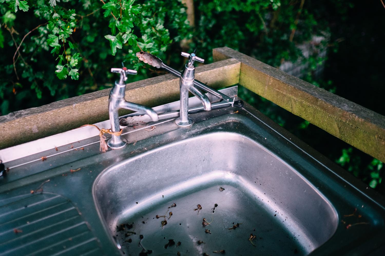 Alfresco washing up facilities.
