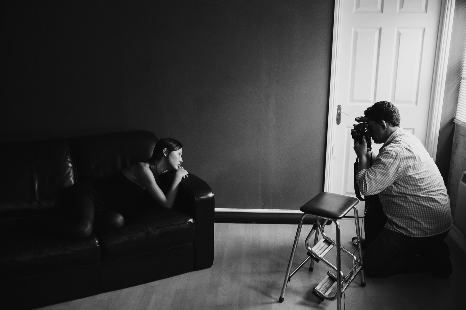Steve working with model, Nao in the studio © Andrew Newson