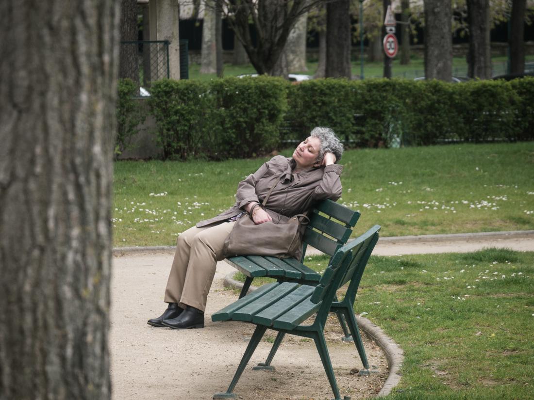 Relaxing - near Marmotem museum, Paris, Apr 2016 - © Angelo Gifford