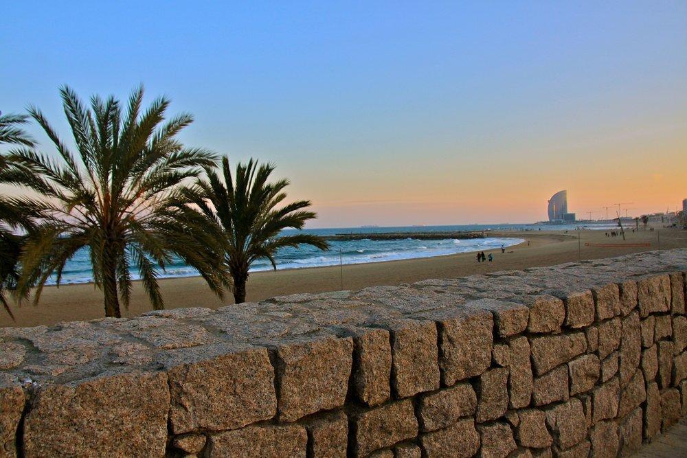 beach-2708207_1920.jpg