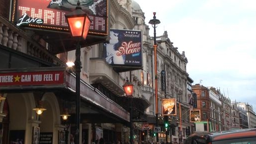 Meow Meow at the Apollo Theatre, Shaftesbury Avenue