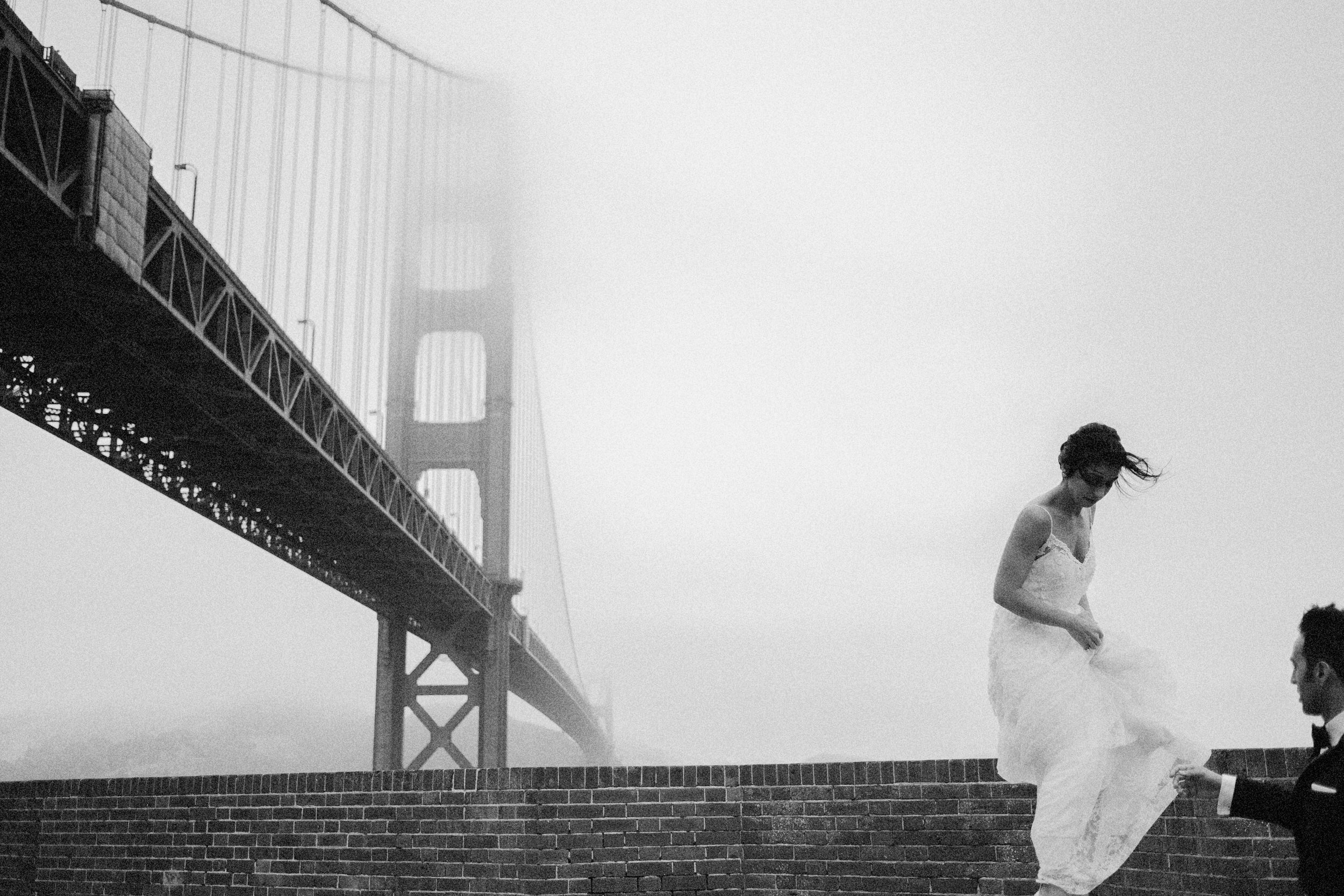 wedding photos at the golden gate bridge