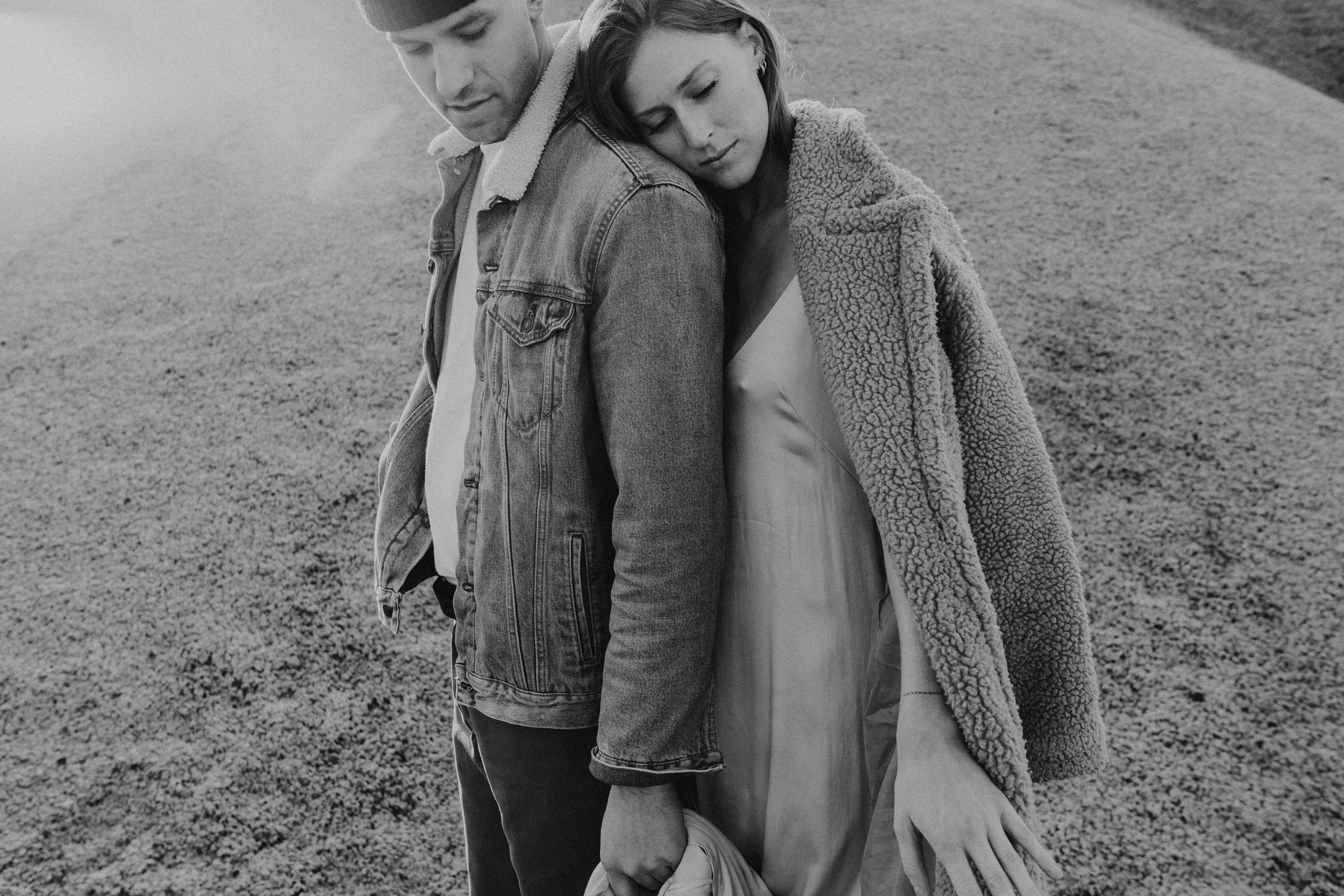 photo of an engagement session at the painted hills