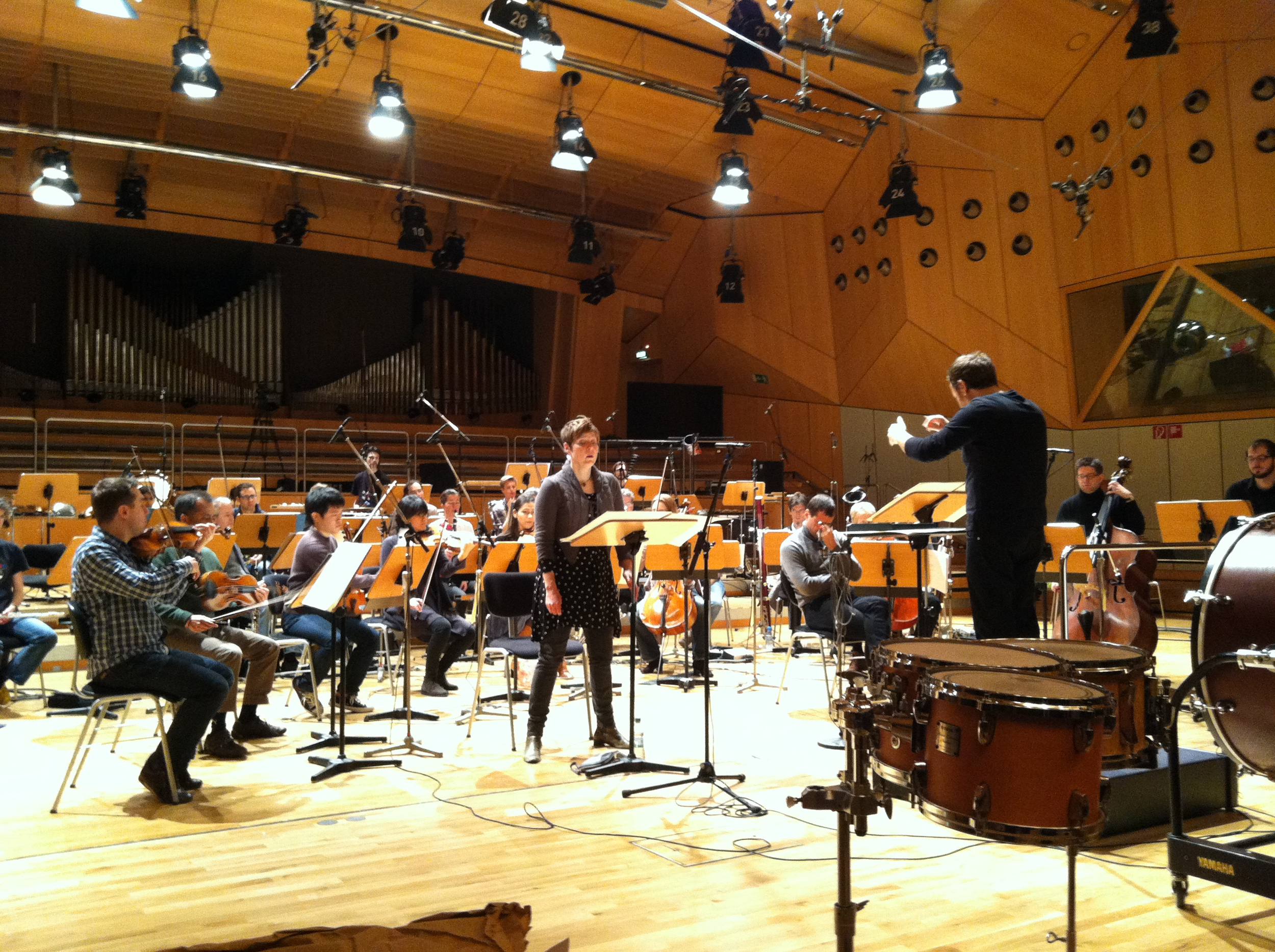 Tony Arnold rehearses with Ensemble Modern, in Beat Furrer's  La Bianca Notte . Frankfurt, 2013.