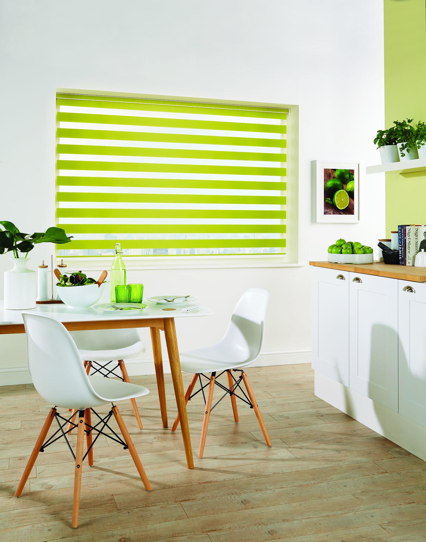 LL_Vision_Capri_Colour_Paradise_Green_closed_tanslucent_opaque_Mid1_Mail.jpg