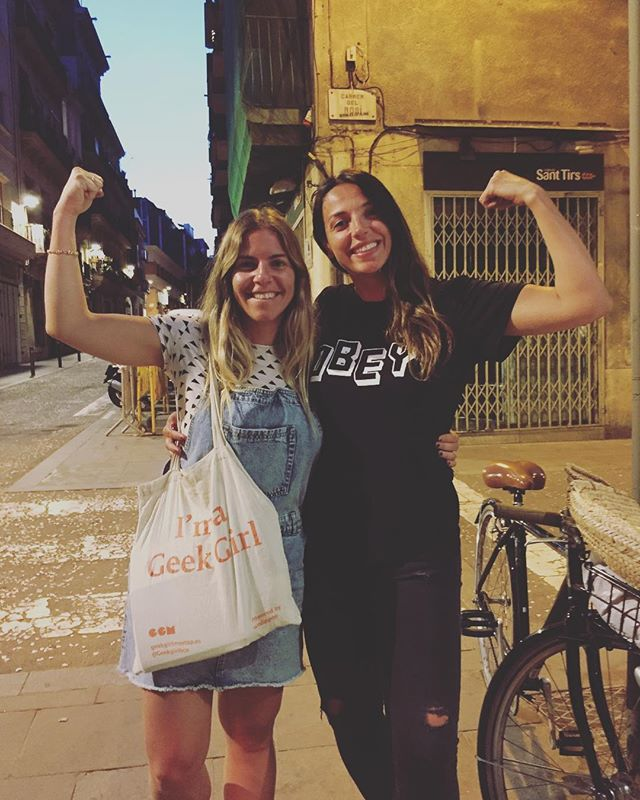 There goes @mergime from @ggmuk casually bumping into Carmen from GGM Barcelona! GGM worldwide yo! 💪🏻💪🏼💪🏽💪🏾💪🏿 #girlganglove