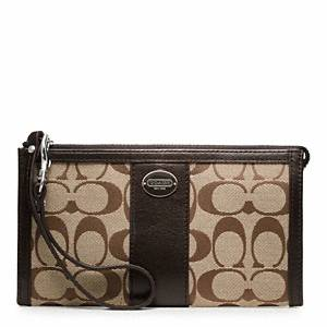 Coach Legacy Zippy Wallet