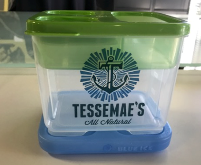 Tessemae's - All Natural Lunch KitTessemae's is a condiment company, so we decided to meet the customer where they most likely need condiments - at lunch!We incorporated the company logo and colors so everyday the customer received a subtle reminder to buy Tessemae's.