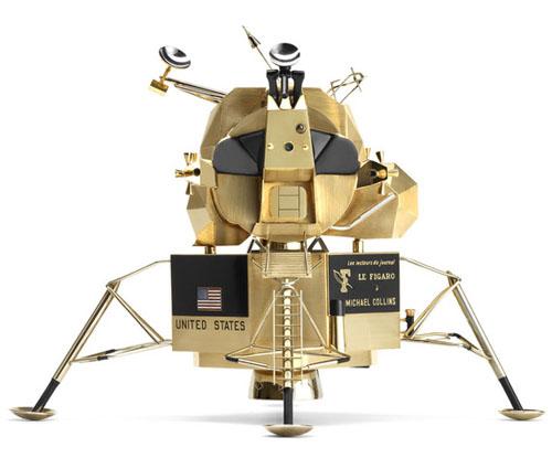 solid-gold-replica-of-the-1969-apollo-11-lunar-excursion-module-by-cartier