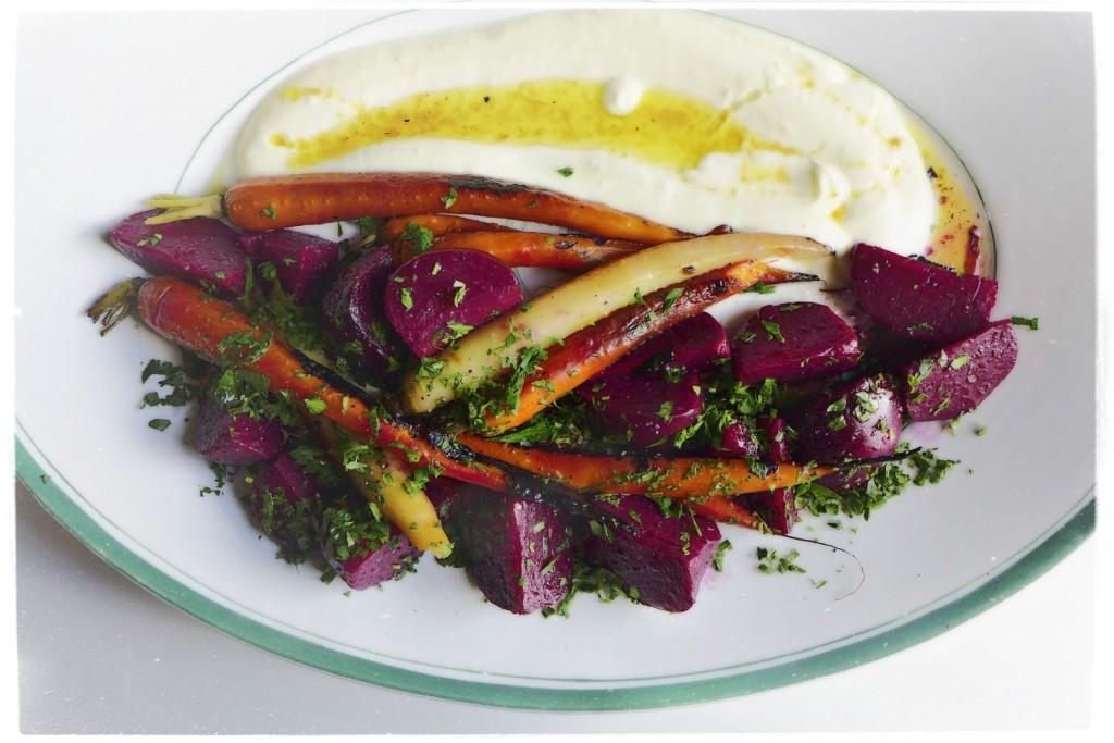 vegetable-platter-with-yoghurt-sauce-1024x683